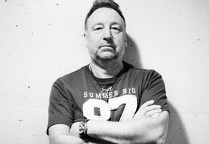 Peter Hook Profile Shot Credit To Julien Lachaussée