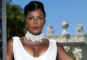 Sommore 688X488