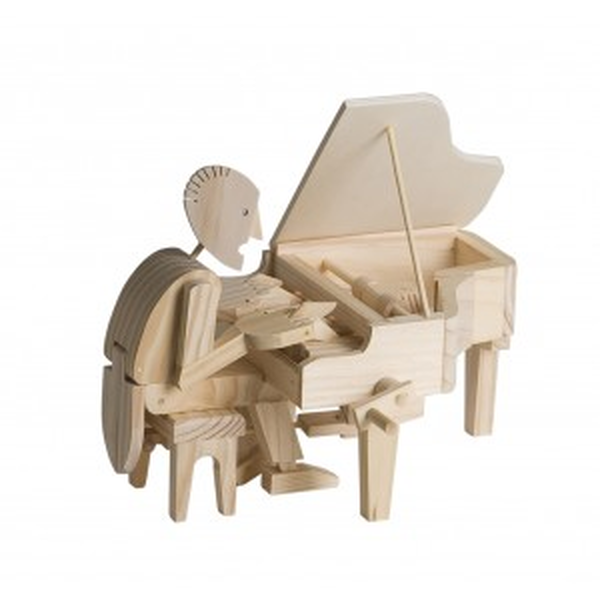 38 Wooden Piano Player
